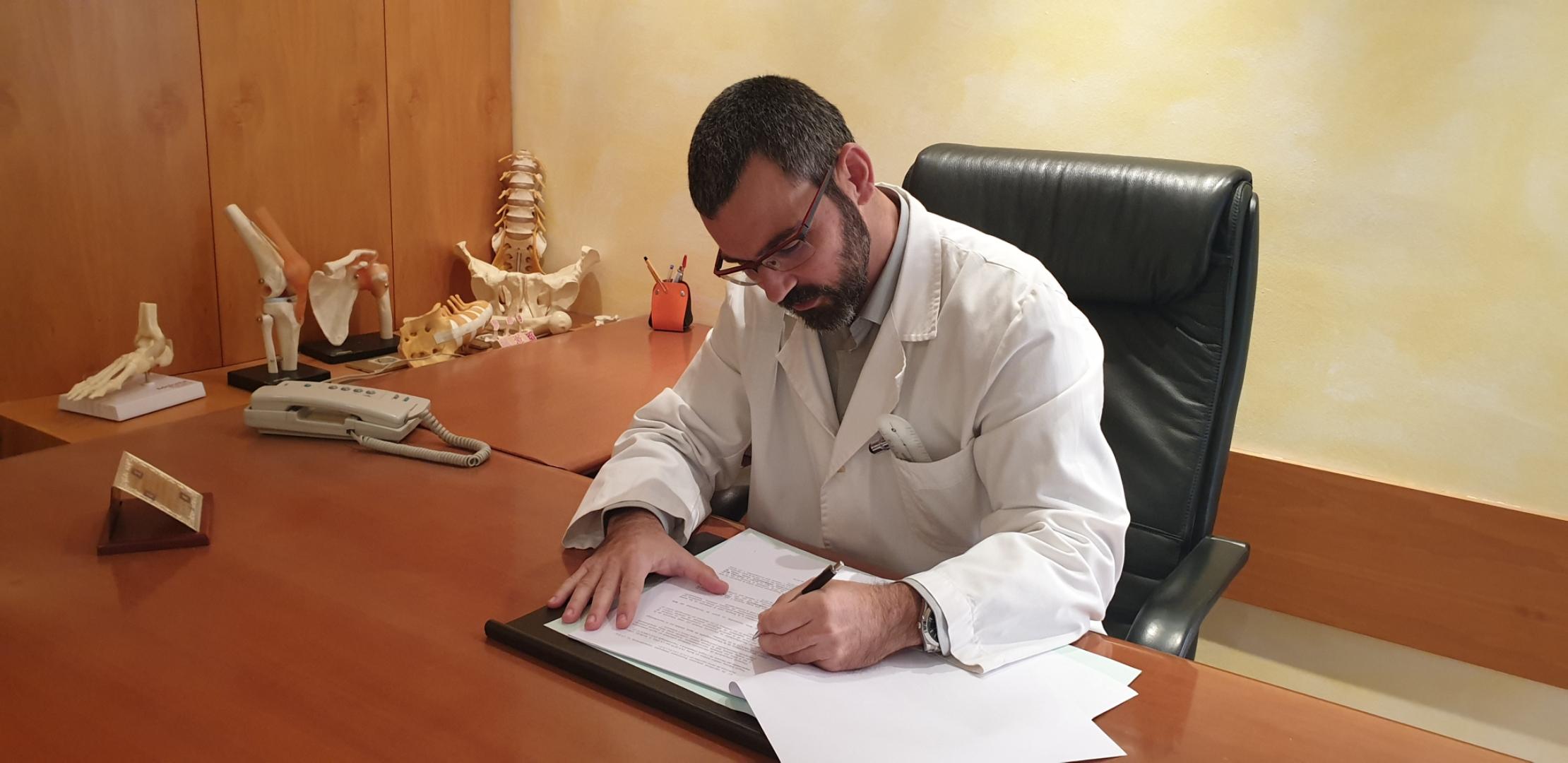Doctor Manuel Robert Garriga - Perito Médico